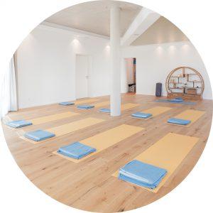 Unser Studio, vorbereitet um direkt mit der Yogaklasse zu starten