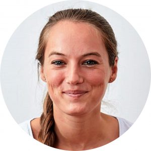 Julia Schneeganß - Vinyasa Yoga